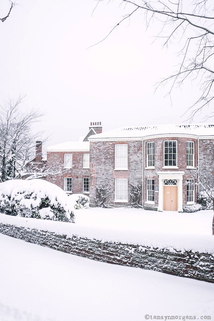A pretty period house in the snow in Norwich